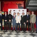 Foto de grupo participantes entrega premios feria taurina 2011